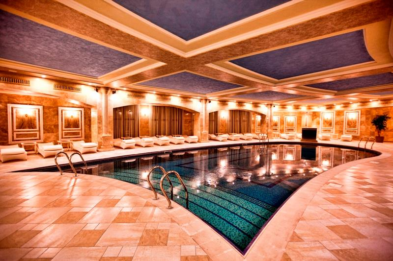 multi_grand_hotel_swimming_pool_2.jpg