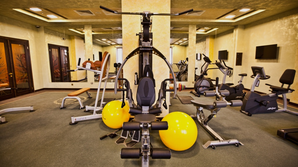 multi_grand_hotel_fitness_center2.jpg